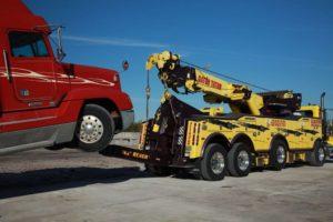 Heavy duty truck hauling - semi truck towing service - commercial truck towing service